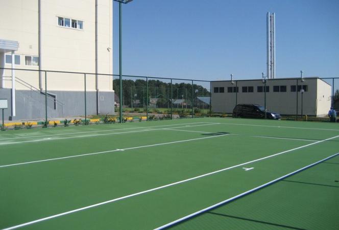 Какой теннисный корт лучше построить